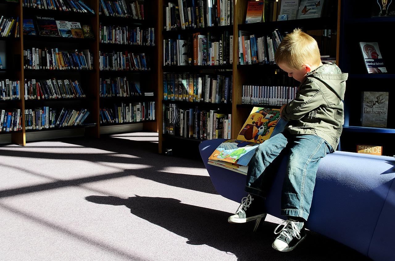 7 Info Mak Ayah Wajib Tahu Tentang Anak & Buku oleh Dr Taufiq Razif