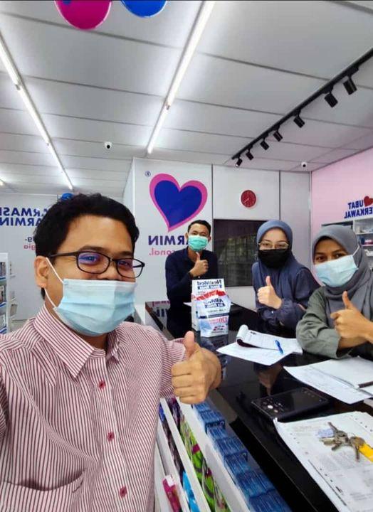 Big boss , Encik Amin Mansor  turun padang di   Farmasi Marmin  Jerantut.