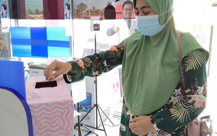 Ramai dah ni yang mencuba nasib, mana tahu dapat menang hamper bernilai RM35!!!
